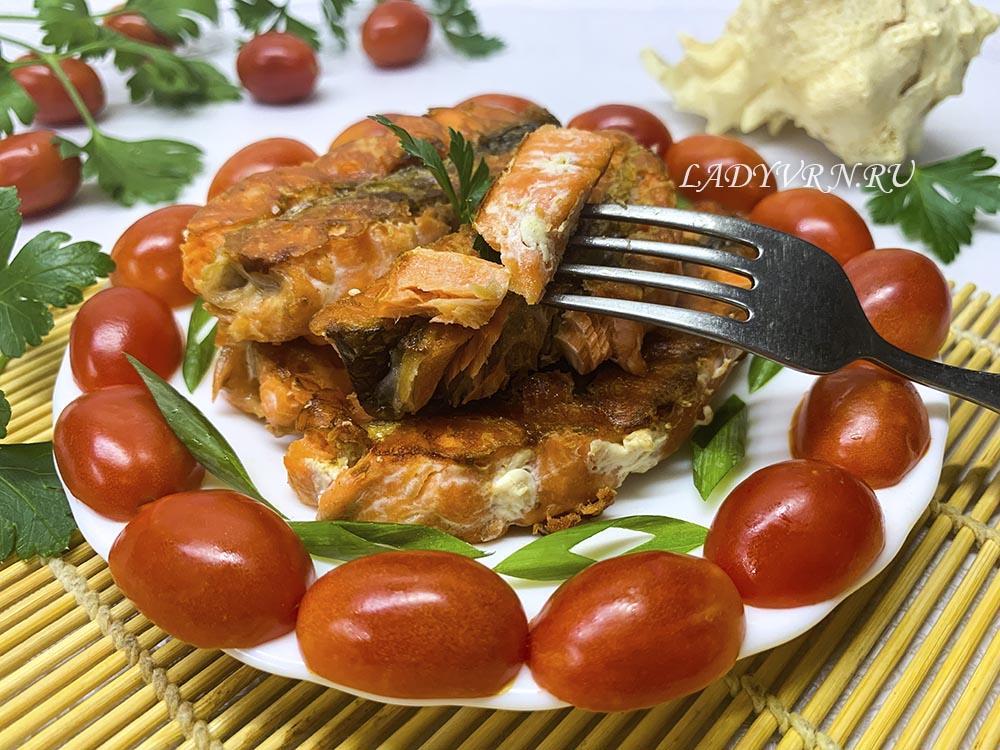 Красная рыба на сковороде без масла. Рецепт